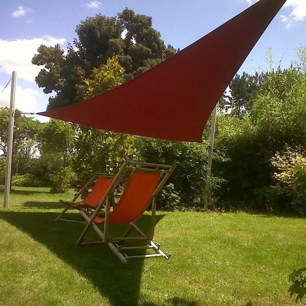 toile-ombrage-au milieu du jardin-nantes-44